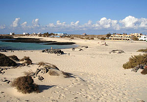 direct access to the wonderfull sand beach called lagoons of El Cotillo